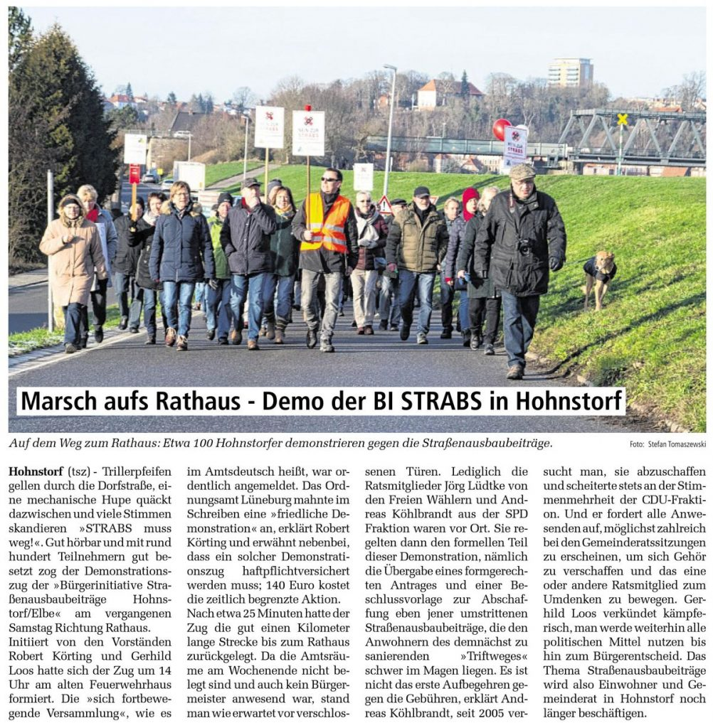 Marsch aufs Rathaus - Demo der BI STRABS in Hohnstorf